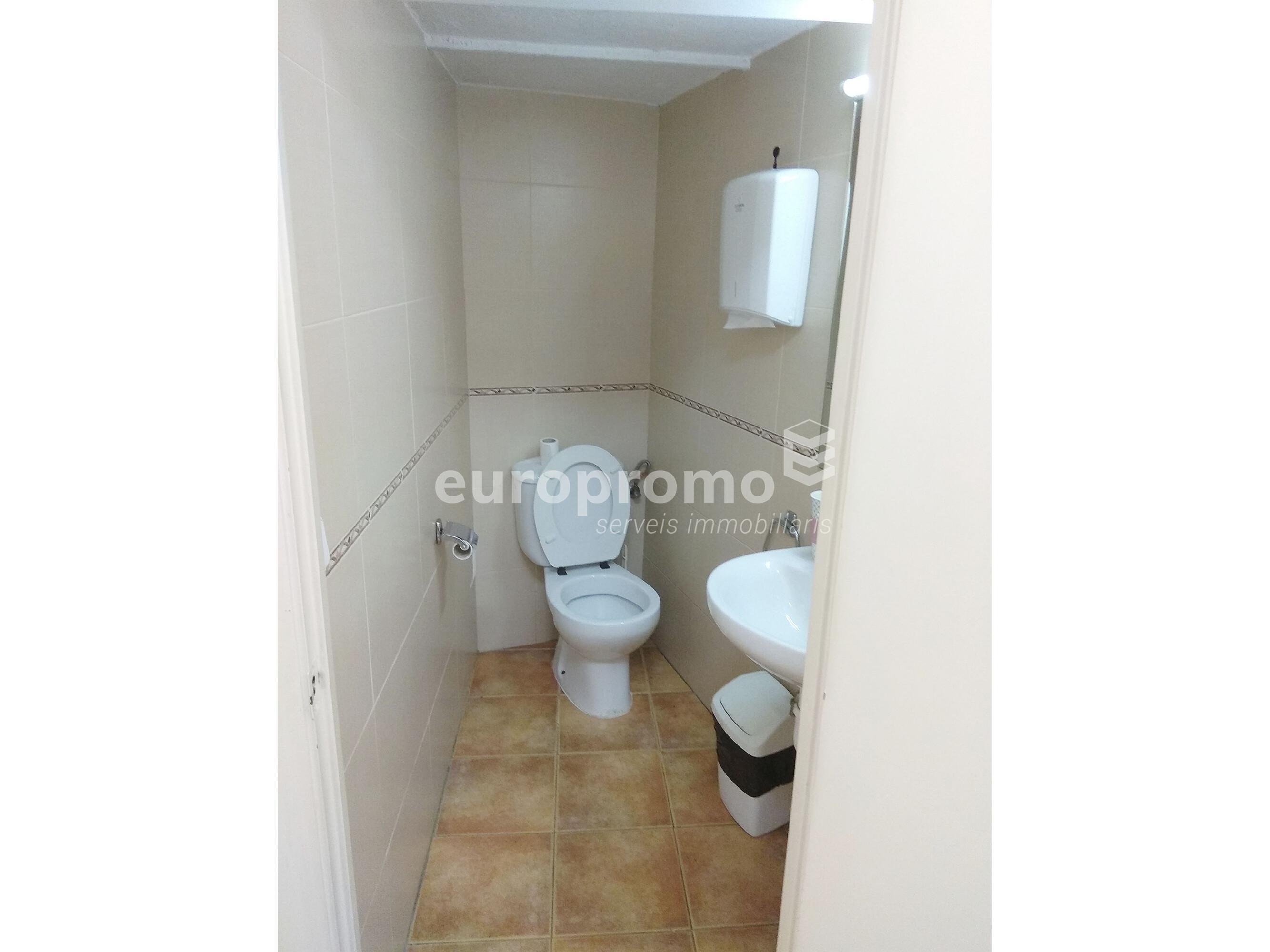 Local de 110 m² al centre de Girona!!