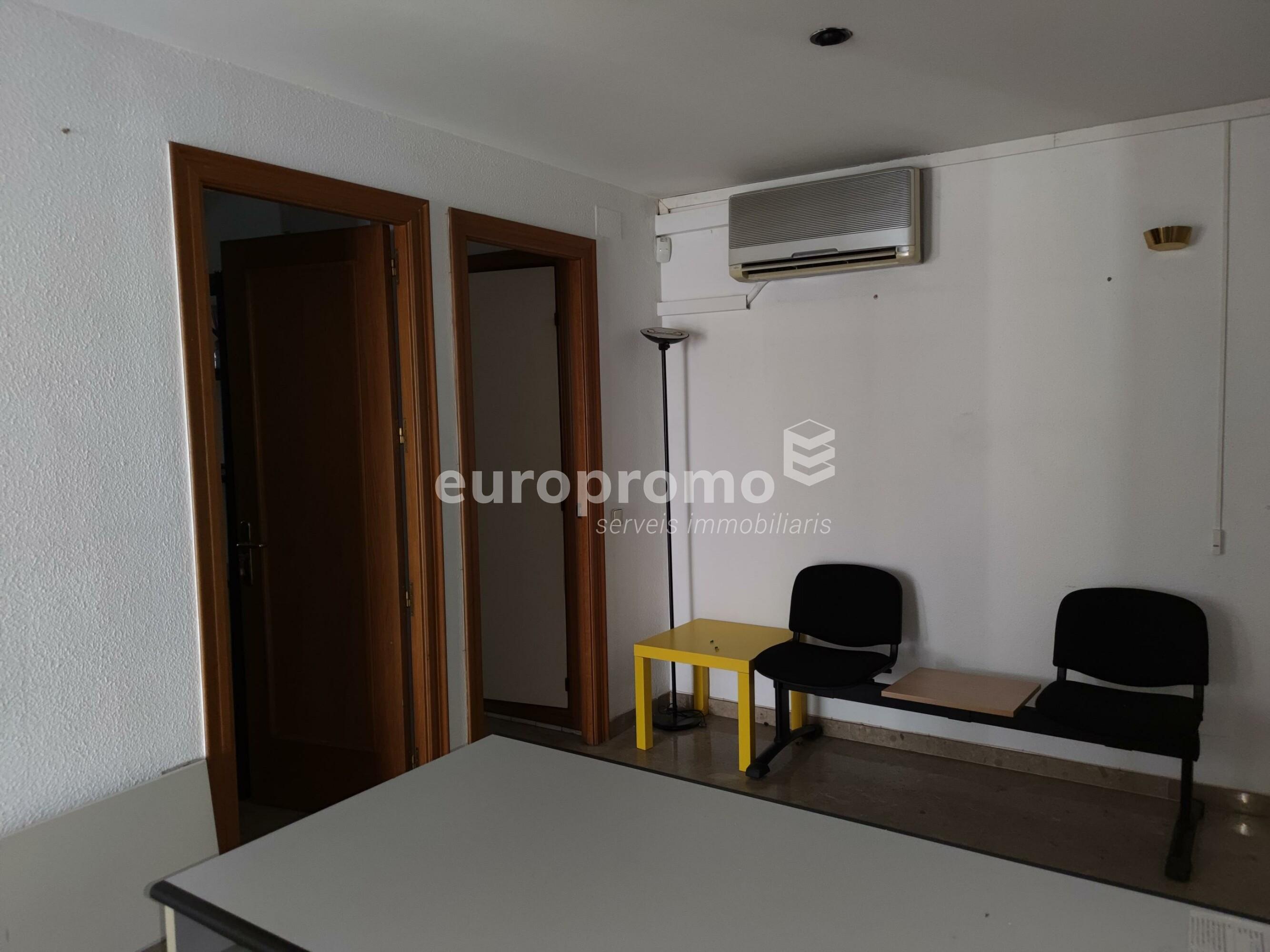 Fantàstica oficina de 55 m² al centre de Girona!