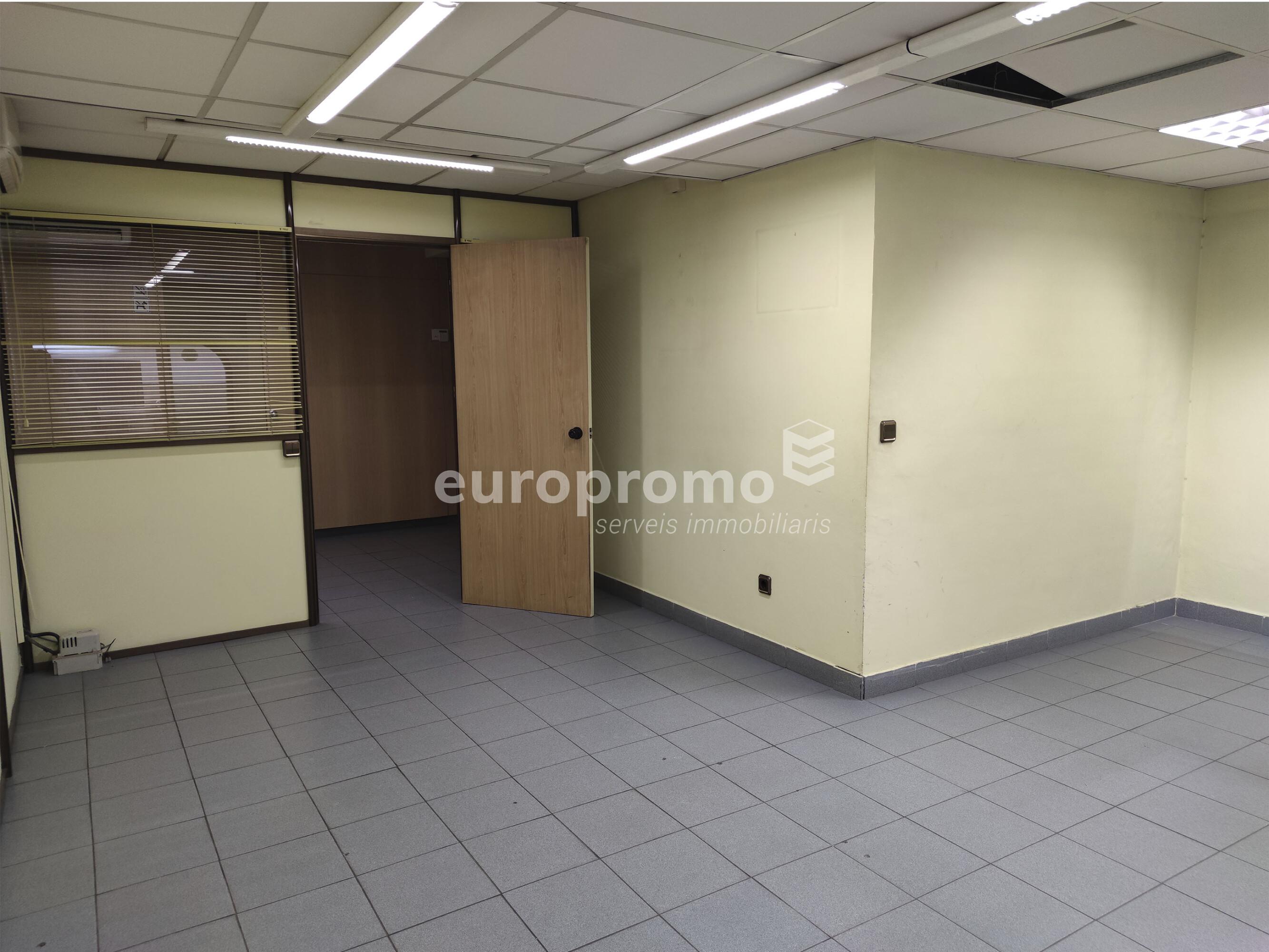 Fantàstica oficina de 130 m² al Carrer Nou de Girona!!