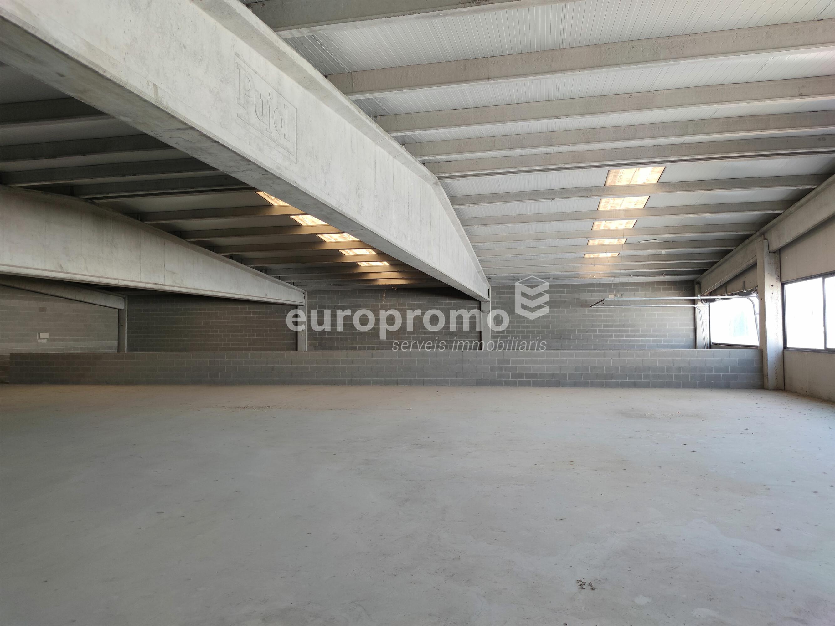 Nau de 1100 m² molt ben situada a Mas Xirgu