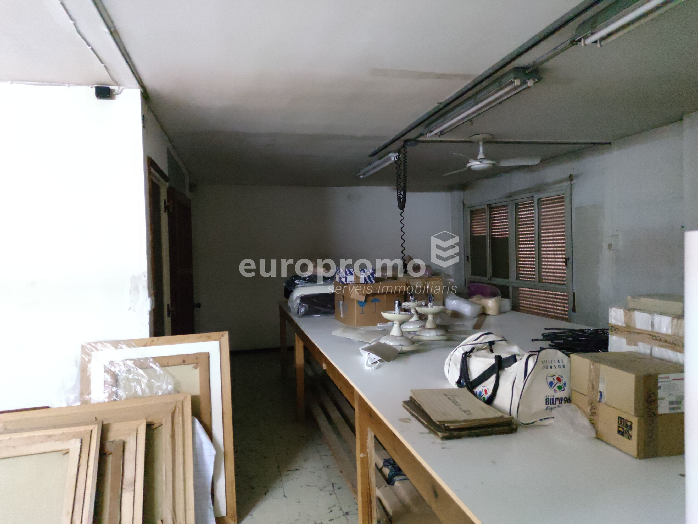 Oficina de 150 m² al centre de Girona!