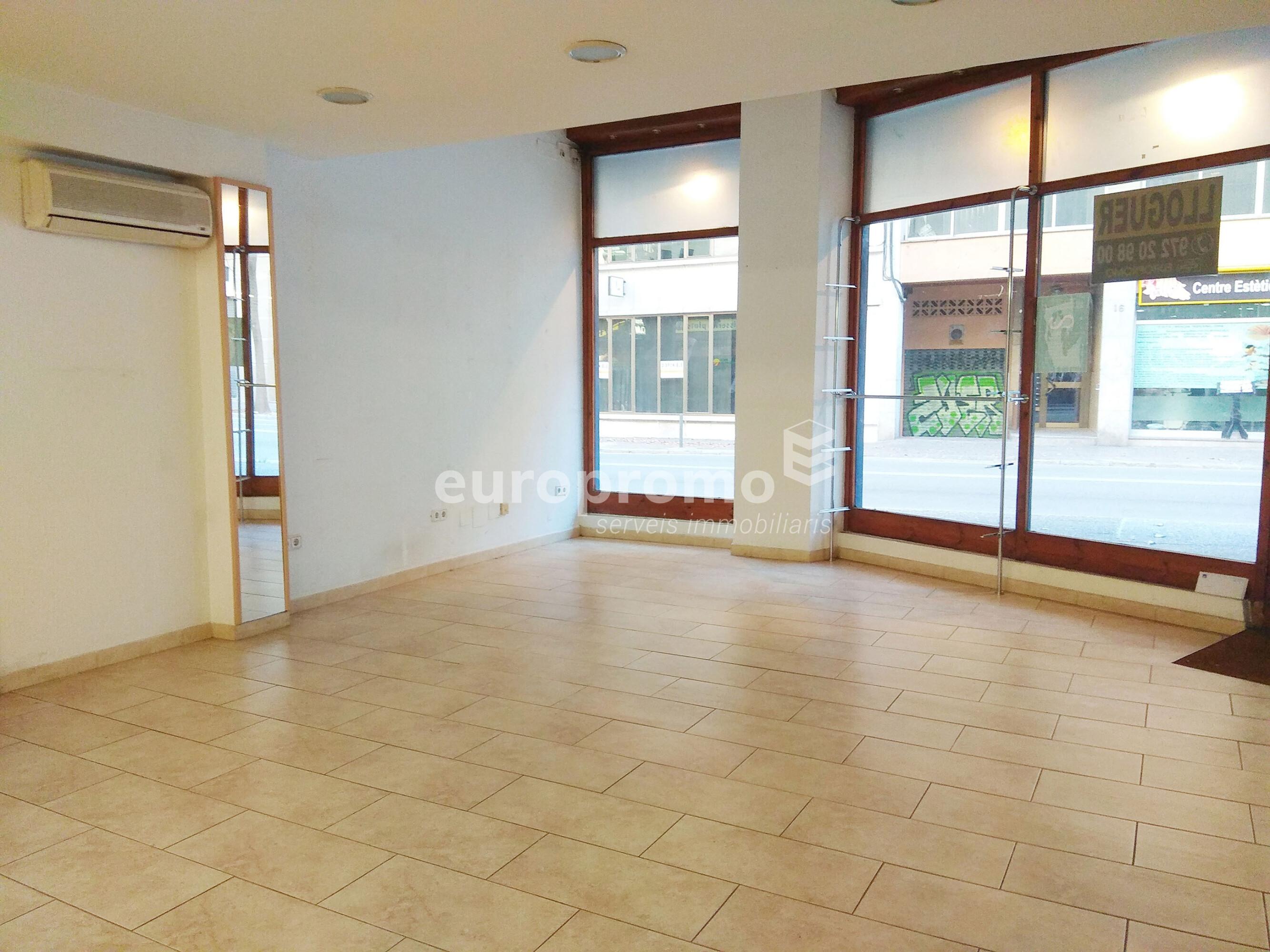 Local de 162 m² al centre de Girona!