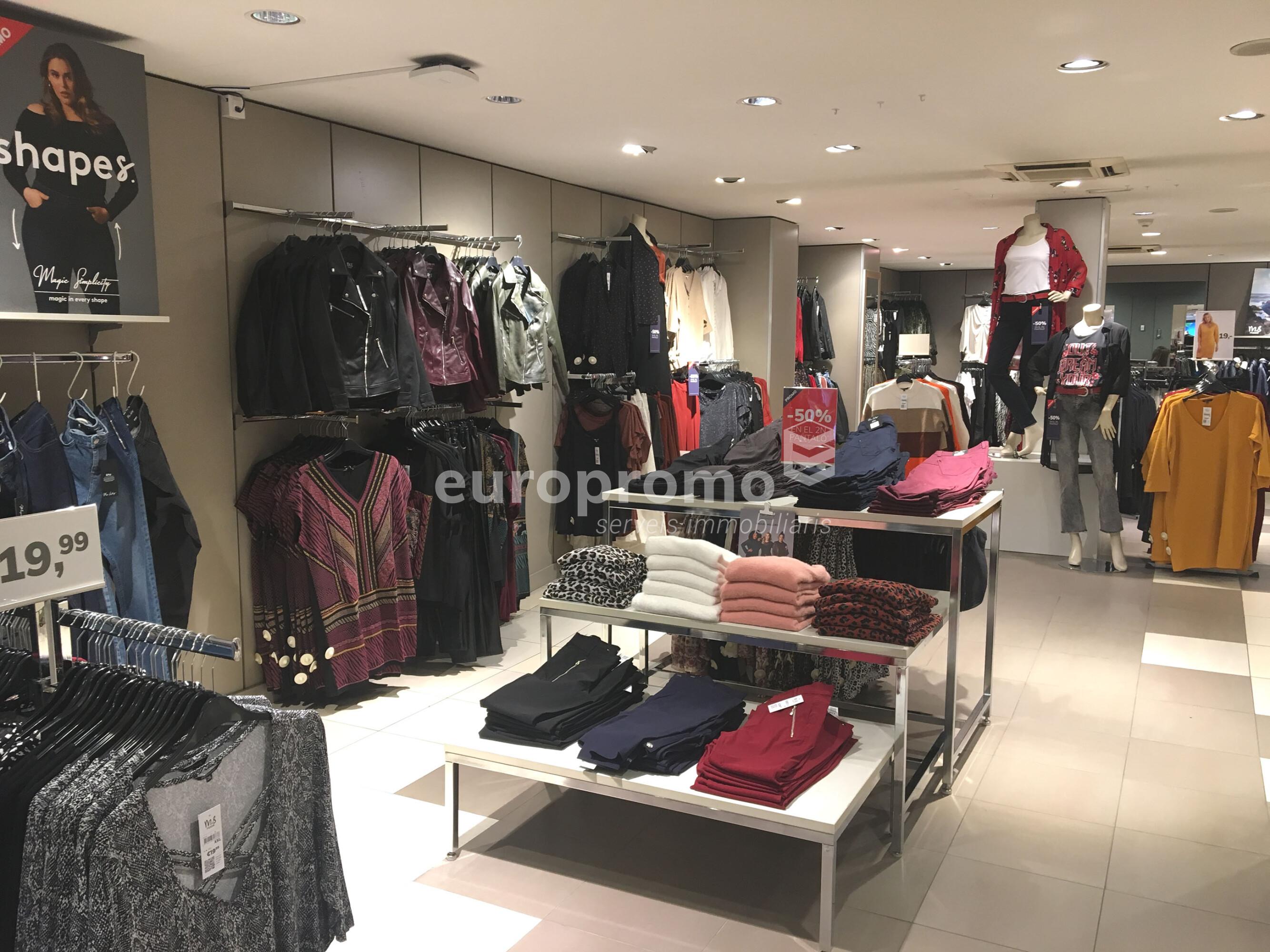 Local comercial de 200 m² al centre de l'Eixample!